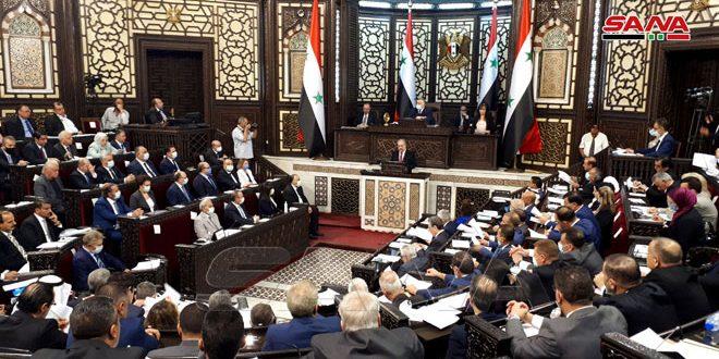 پارلمان اولین جلسه عادی خود را در اولین جلسه عادی سومین جلسه قانونگذاری با حضور نخست وزیر و وزرا آغاز کرد