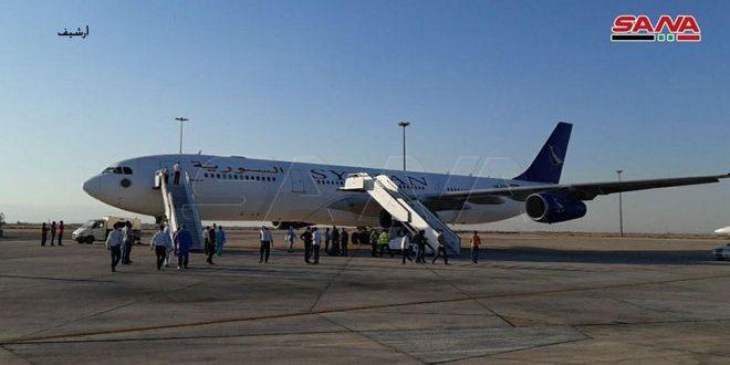 یک هواپیما حامل 188 سوری در فرودگاه بین المللی دمشق به زمین نشست