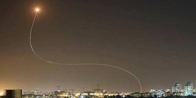 مقاومت فلسطین در پاسخ به تجاوزگری اسرائیل ها شهرک های اشغالگر با موشک ها هدف قرار داد