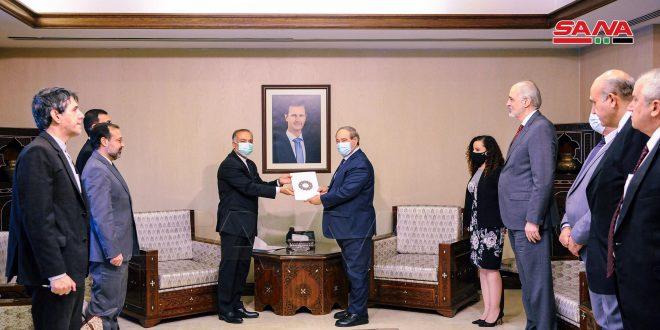 مقداد استوار نامه سفیر ایران را دریافت کرد