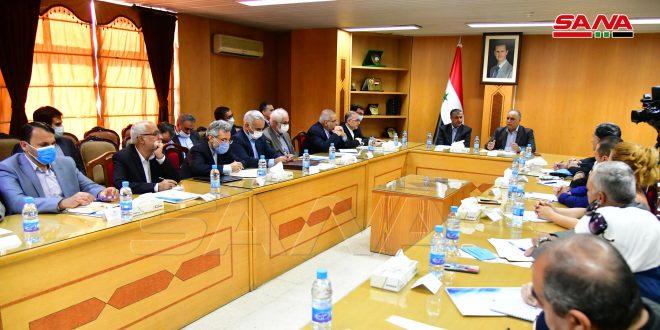وزیر تجارت داخلی با وزیر راه و شهرسازی ایران اجرای توافق نامه های امضا شده بین دو طرف را بررسی کرد