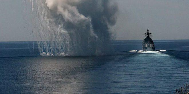 وزارت دفاع انگلیس: یک کشتی اسرائیلی در قبال سلطاننشین عُمان مورد هدف قرار گرفت