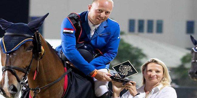 Le cavalier syrien Hisham Ghrayeb réalise des bons résultats au championnat international d'Abou Dhabi pour le Saut d'obstacles