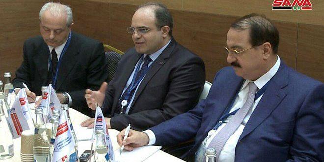 Khalil examine en marge du forum de Yalta les relations économiques avec plusieurs pays amis