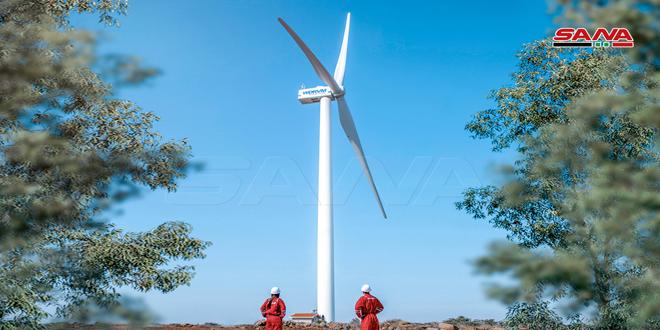 Avec des expertises syriennes, fabrication et installation de la première éolienne en Syrie