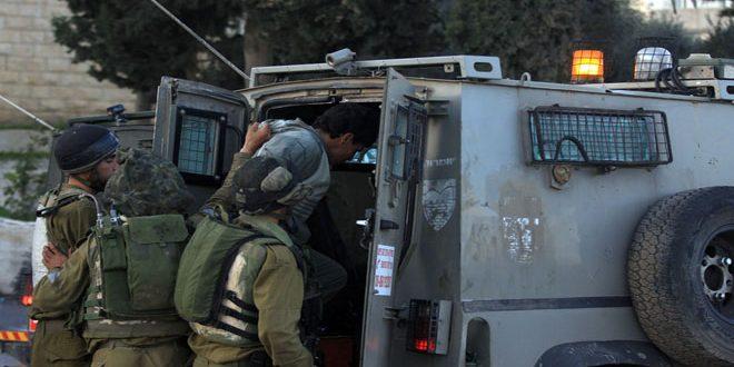 Les forces d'occupation israéliennes arrêtent 10 Palestiniens en Cisjordanie