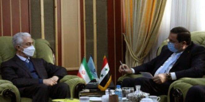 Pourparlers syro-iraniens sur le renforcement de la coopération scientifique bilatérale