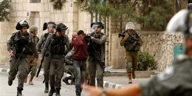 Les forces d'occupation israéliens arrêtent 23 Palestiniens en Cisjordanie