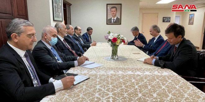 Miqdad affirme à Pedersen la nécessité que l'ONU assume ses responsabilités dans la garantie du respect de la souveraineté syrienne