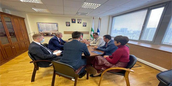 Une délégation de l'Assemblée du peuple participe à l'observation de l'élection des députés de la Douma d'État en Russie