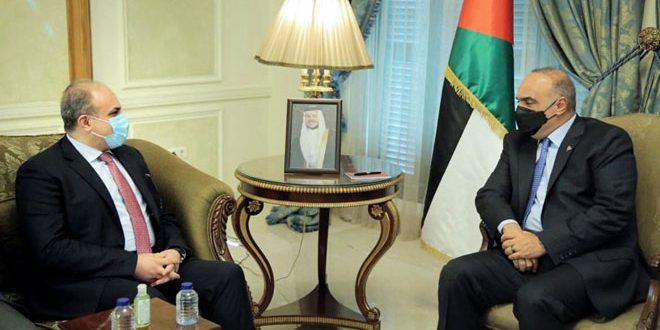 Le 1er ministre jordanien à une délégation ministérielle syrienne: Importance du renforcement des relations de la coopération et la coordination entre les deux pays