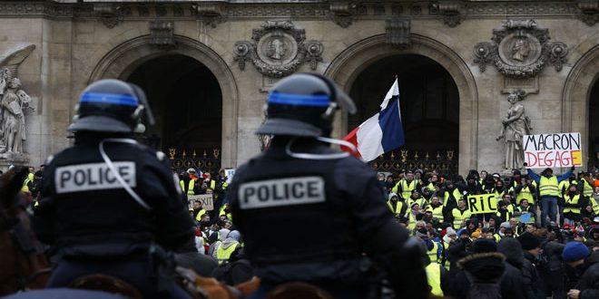 המפגינים בצרפת קראו למקרון להתפטר