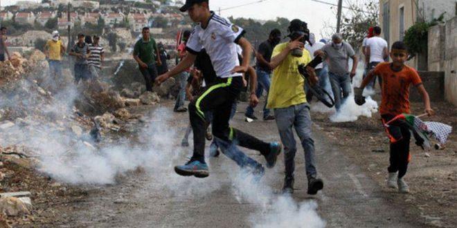 עשרות פלסטינים לקו בחנק כתוצאה מתוקפנות שבצעו כוחות הכיבוש