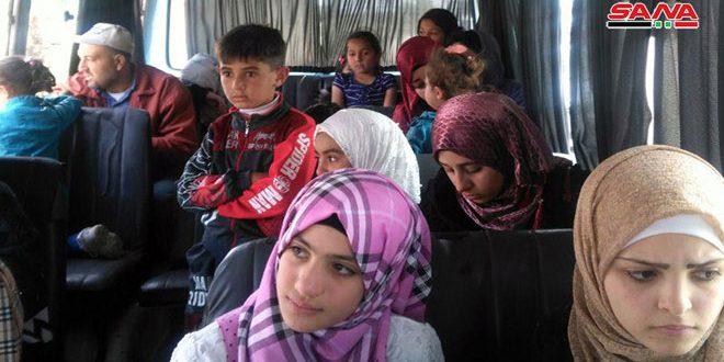 כמה משפחות של מהגרים חזרו ממחנות הקליטה שבירדן