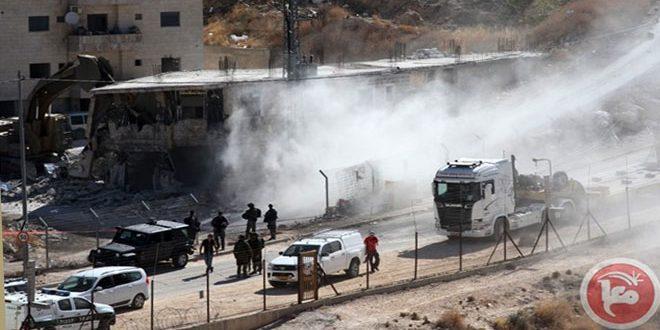 כוחות הכיבוש עצרו עשרה פלסטינים באל-עיסו'יה מזרחית לעיר אל-קודס הכבושה