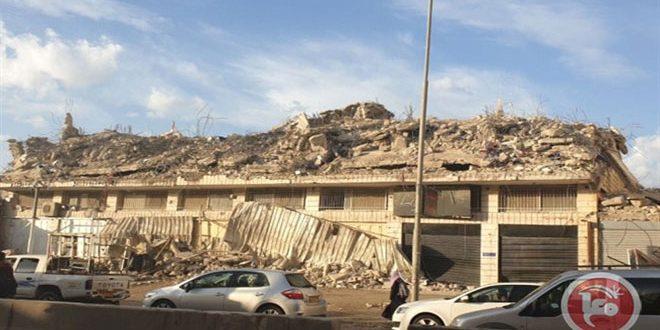 הכוחות הישראליים הרסו בית פלסטיני בצפון עיר אלקודס הכבושה