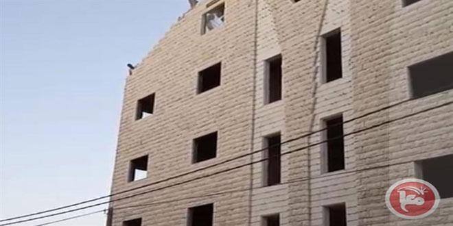 כוחות הכיבוש פורצים לכפר סור באהר דרומית לאלקודס הכבושה והורסים בית