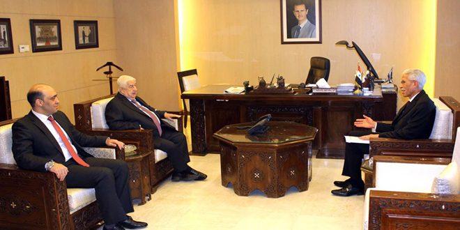 אלמועלם מקבל עותק מכתב האמנה של שגריר אלג'יריה החדש בסוריה