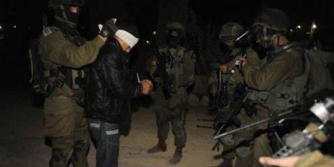 כוחות הכיבוש עוצרים שלושה פלסטינים בגדה המערבית