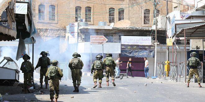 עשרות פלסטינים לקו בחנק בהתקפה ישראלית מערבית לרמאללה