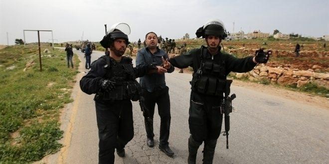 הכיבוש הישראלי עוצר 3 פלסטינים מהעיירה פקועה