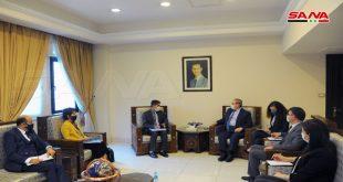 """אלמוקדאד לאלמנזרי.. הצעדים השרירותיים המערביים והחד-צדדיים המוטלים על סוריה סותרים את אמנת האו""""ם"""