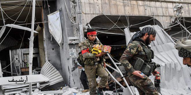 שכירי החרב של הכיבוש הטורקי מציתים בתים בכפר באב אל-פרג' בריף אל-חסאכה