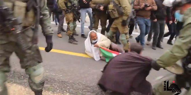עשרות פלסטינים נפגעו במהלך דיכוי הפגנות בחברון ובכפר קדום