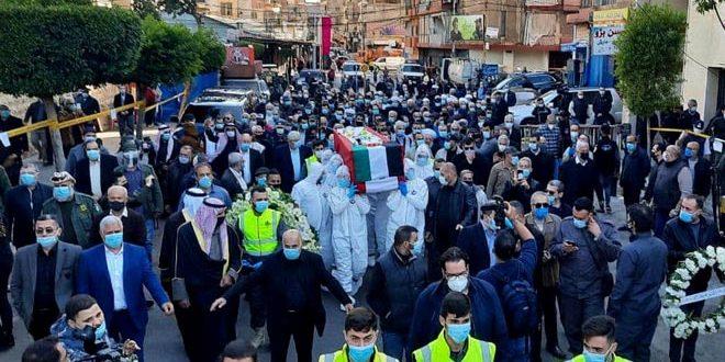 בהנחית הנשיא אל-אסד … השגריר עבד אל-כארים משתתף בטקס ההלוויה של המיליטנטי אלנקאש בביירות