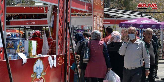 משתתפי שוק הצדקה של הרמדאן: המטרה היא לענות על צורכי האזרחים ולהפחית את הנטלים הכלכליים