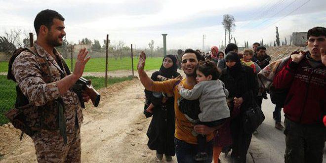 Через открытые САА гуманитарные коридоры район Восточной Гуты покинули более 105 тыс. мирных жителей