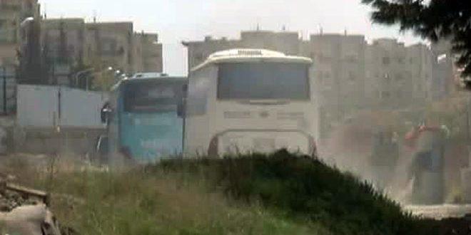 Из города Хараста на 37 автобусах выехали в провинцию Идлеб 2373 человека, из них 828 боевиков