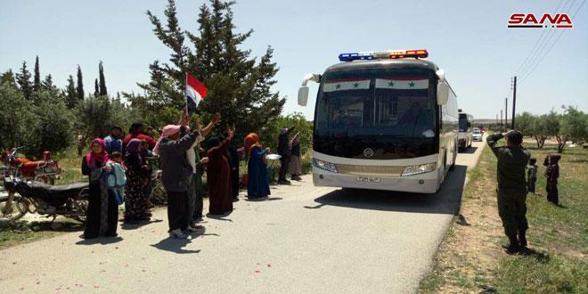 В районы Аль-Хуля и Тельбиса прибыли несколько автобусов для отправки террористов с семьями на север Сирии