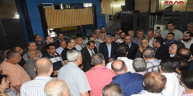Правительственная делегация посетила промышленные районы в провинции Дамаск