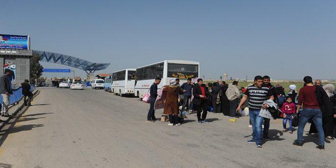 Новая группа сирийских беженцев вернулась домой из лагеря беженцев «Аль-Азрак» в Иордании