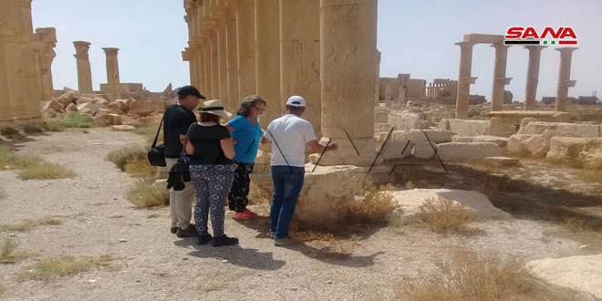 Иностранные туристы продолжают посещать исторический город Пальмира