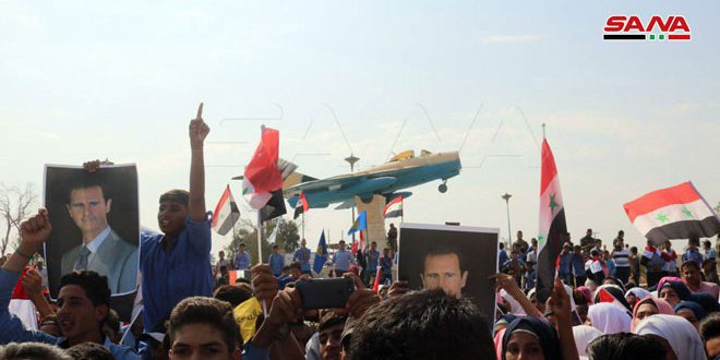 Жители Дейр-эз-Зора провели акцию протеста в знак осуждения турецкой агрессии на сирийской территории