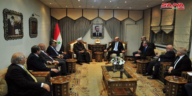 Хассун встретился с парламентской делегацией Германии