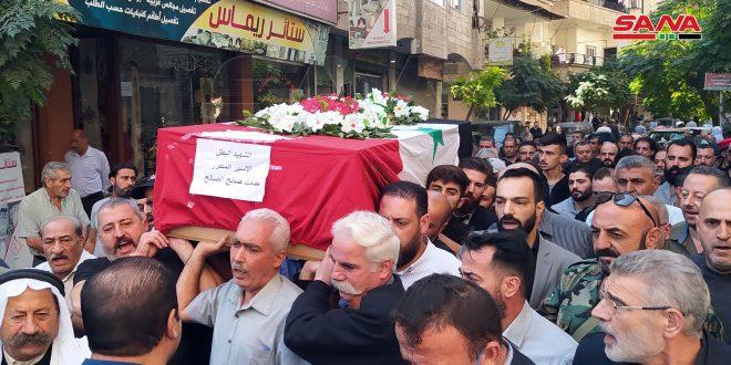 Гроб с телом Ас-Салеха повезли к месту упокоения в Джарамане
