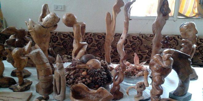 Ebu Edhem yeteneği ile meşe ağacından harikalar yaratıyor