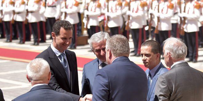 Cumhurbaşkanı el Esad üst düzeyli bir heyetin başında Suriye'ye 4 gün sürecek resmi iş gezisinde bulunan Abhazya Cumhurbaşkanı Raul Hajimba'yı kabul ediyor