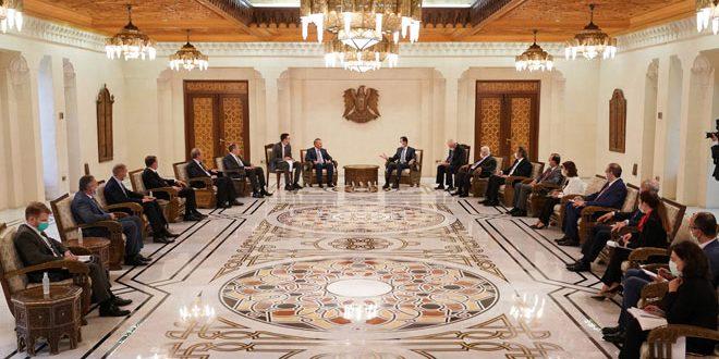 Cumhurbaşkanı Beşar Esad bugün, Dışişleri Bakanı Sergey Lavrov başkanlığındaki bir dizi Rus diplomatın huzurunda Başbakan Yardımcısı Yuri Borisov başkanlığındaki üst düzey Rus heyetini kabul ediyor