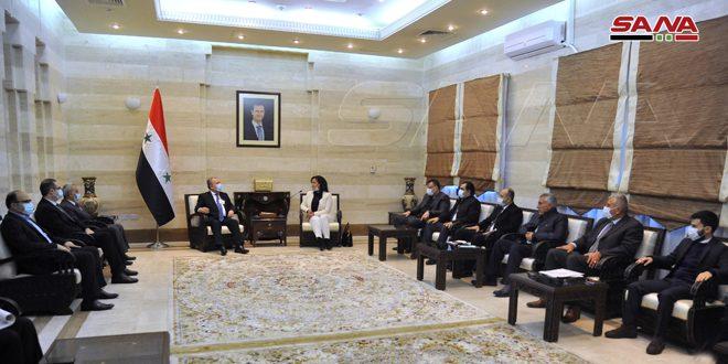 Başbakan Arnus'un Lazkiye Halk Meclisi Üyeleri İle Görüşmesi İldeki Hizmet ve Kalkınma Gerçeklerine Odaklandı
