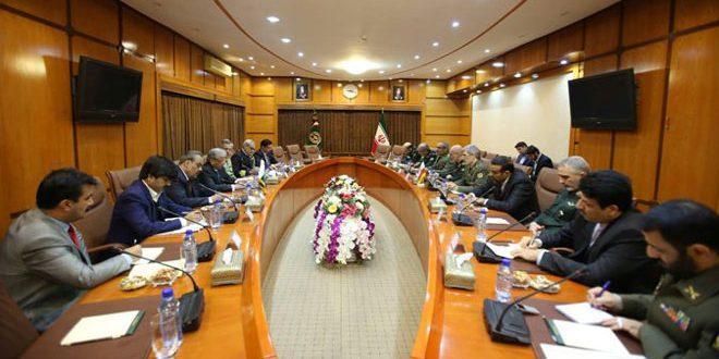 وزير الدفاع الإيراني:حل الأزمة في سورية سياسي عبر الحوار