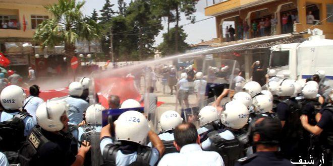 النظام التركي يقمع مظاهرتين احتجاجيتين على عدوانه على منطقة عفرين