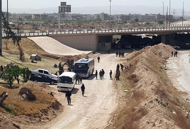 اسـتمرار الإجراءات لإخراج دفعـة جديدة من الإرهابيين وعائلاتهم من جوبر وزملكا وعين ترما وعربين لنقلهم إلى إدلب