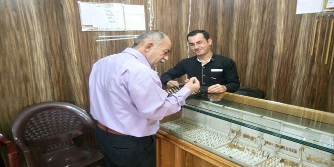 أسواق الذهب في درعا تشهد إقبالا كبيرا بمناسبة عيد الأم
