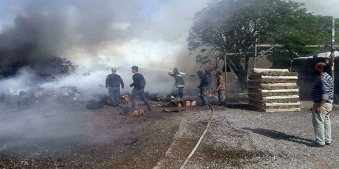 إخماد حريق بمحيط سوق الهال في طرطوس