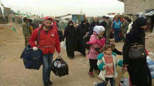 وحدات الجيش تؤمن خروج أكثر من 128 ألف مدني محتجز لدى التنظيمات الإرهابية في الغوطة الشرقية عبر الممرات الإنسانية