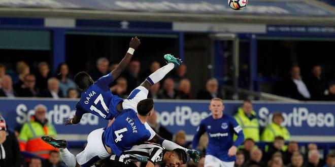 فوز ايفرتون على نيوكاسل يونايتد في الدوري الانكليزي لكرة القدم